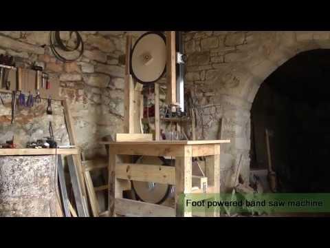 Foot powered bandsaw machine