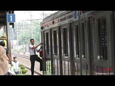 Petugas Pelayanan Kereta (PPK) KRL Commuter line 5 ll ジャボタベクの車掌 5