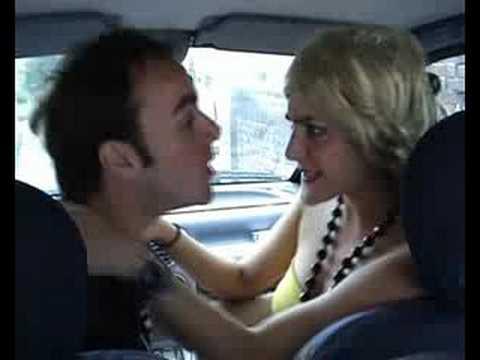Faire L Amour Dans La Voiture : la blague du samedi faire l 39 amour une blonde dans une voiture pas facile youtube ~ Medecine-chirurgie-esthetiques.com Avis de Voitures
