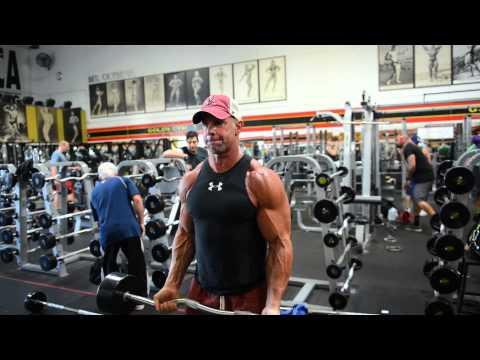 Mike Ryan trains Biceps - Biceps 21's
