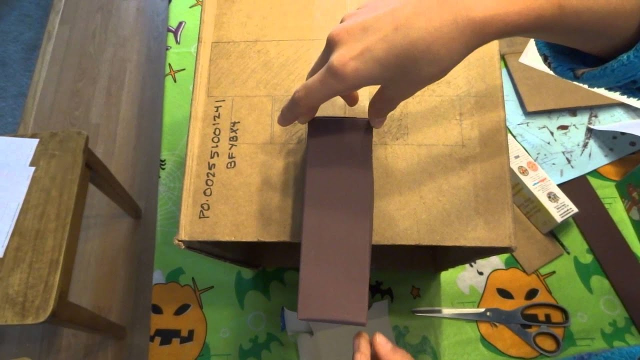 How to make a Minecraft Villager costume !!