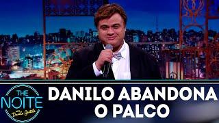 Baixar Monólogo: Danilo abandona o palco e Diguinho apresenta o programa | The Noite (23/08/18)