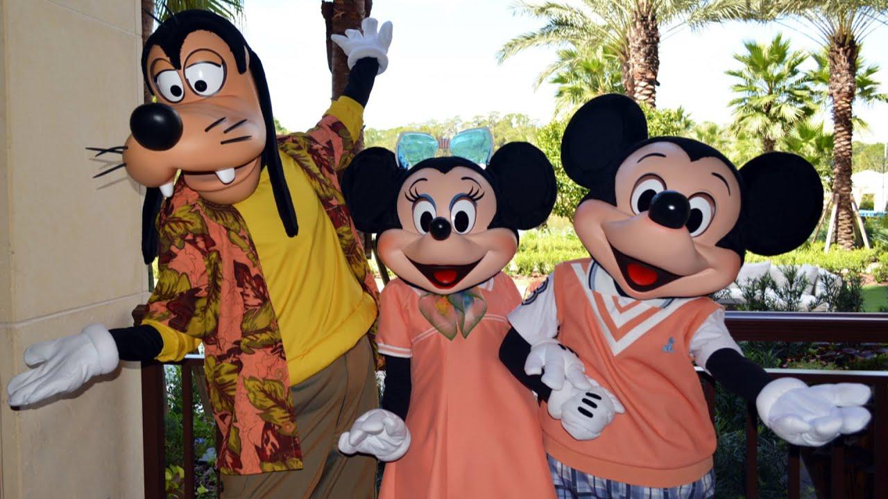 Good Morning Breakfast W Goofy Pals Mickey Minnie In New Costumes