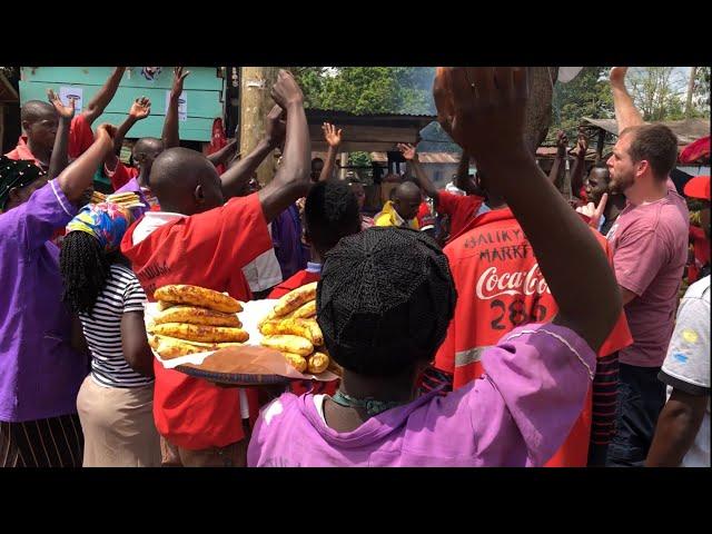 Muslims oppose the gospel, then many others follow Jesus at a roadside market in Uganda