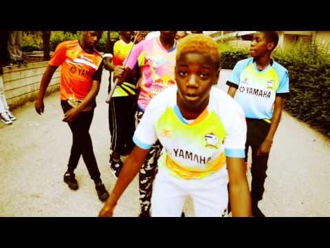 P.D.G  -  Drams feat Zola Gang