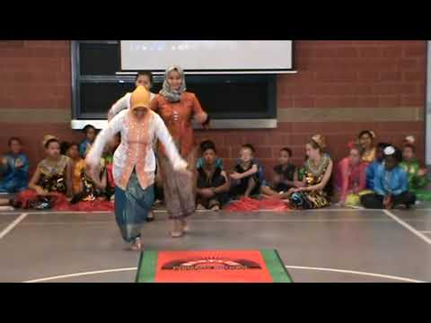 Assembly at Bentley Primary School in Perth with Peacock Indonesia Traditional Dance