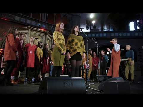 Deep Throat Choir - In My Bed (Amy Winehouse Cover)