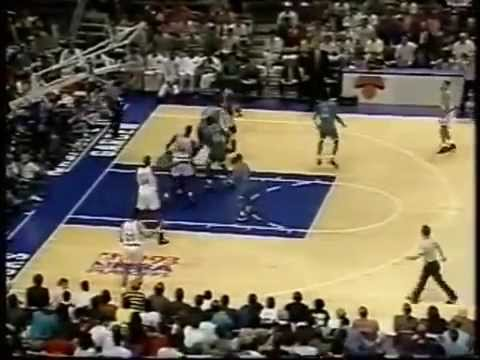 Patrick Ewing (33p/10r) vs Alonzo Mourning (27p/13r) - Highlights 1993 Playoffs Game 1