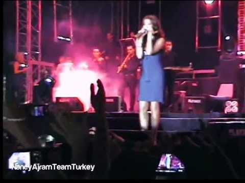 Nancy Ajram Turkey Concert - Ah We Noss HD