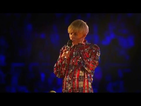 Miley Cyrus - Bangerz Tour - Acoustic Set - Live from London