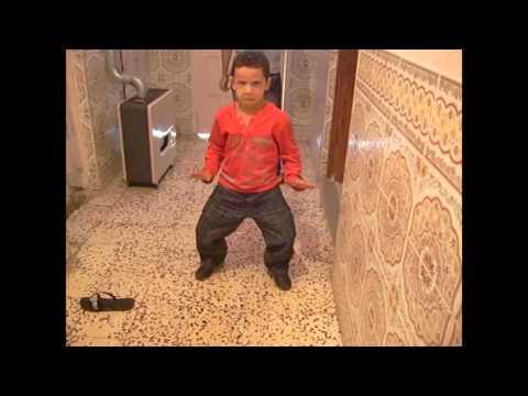 CRAZY DANCE الهبال: رقصة طفل جزائري thumbnail