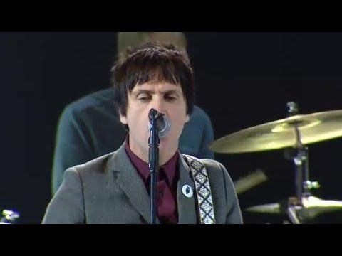 Johnny Marr & Justin Young (The Vaccines) - I Fought The Law (Live at the NME Awards, 2013)