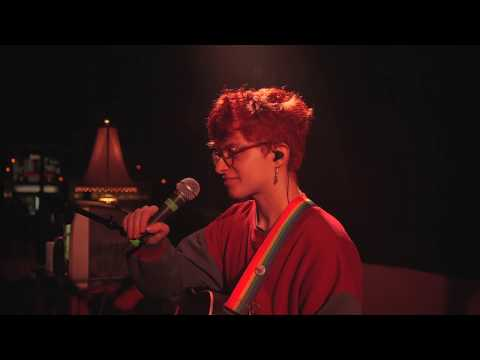 Смотреть клип Cavetown - Things That Make It Warm