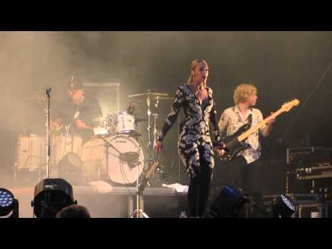 Agnes - Don't go breaking my heart (Kalmar stadsfest 2014-08-07)