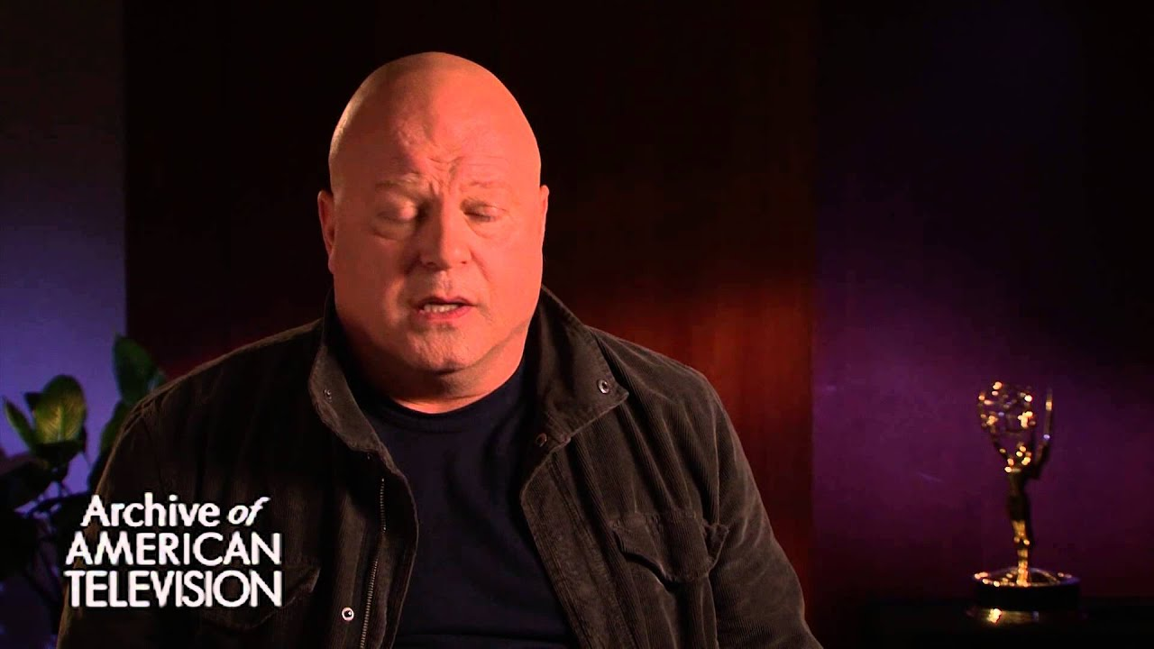 Michael Chiklis discusses how Burt Reynolds helped his career after ...