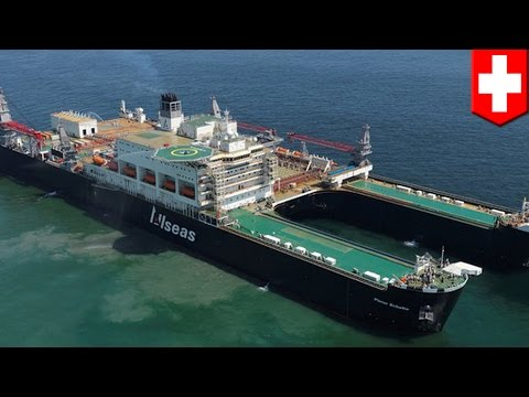 World's biggest ship: the Pieter Schelte can tear down abandoned oil rigs in days