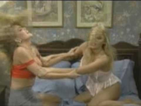 Pamela Anderson In A Nasty Catfight thumbnail