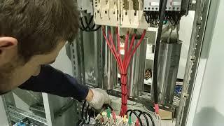 видео Сборка УКРМ (устройства компенсации реактивной мощности) – TESLI
