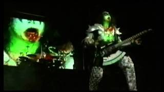 KISS Gene Simmons Bass Solo and God Of Thunder The Last KISS DVD (HD)