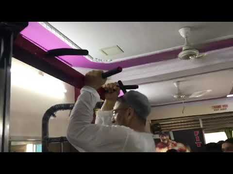 Video: AIMIM president Asaduddin Owaisi does pull-ups in a gym during election campaigning