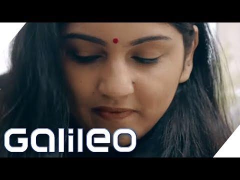 Typisch Indien: Ein Überraschungspaket an unsere Redaktion | Galileo | ProSieben