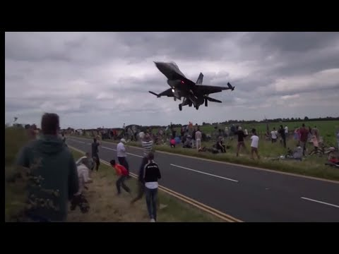 JET AIR,AIR FIGHTER,FIGHTER JET,LOW PASS