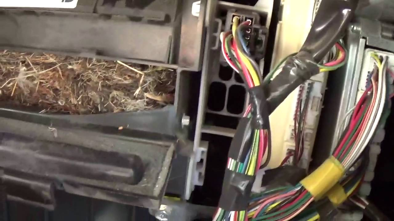 Changing the Cabin Air Filter on a 2005-2015 Toyota Tacoma ...