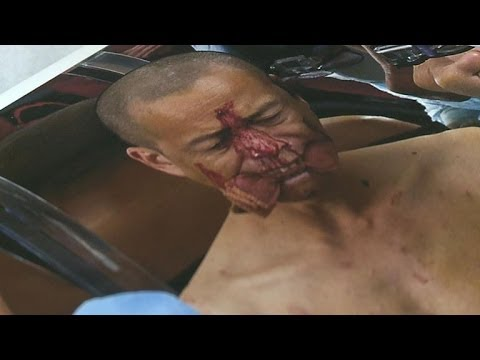 Blood, guts and ribs as Chinese performer suffers for his art