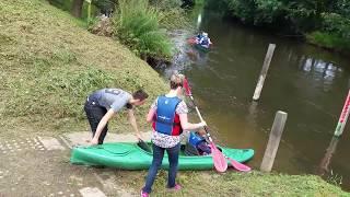 met kano over rivier de roer in vlodrop bij schurenhof de geluksplek van roerdalen