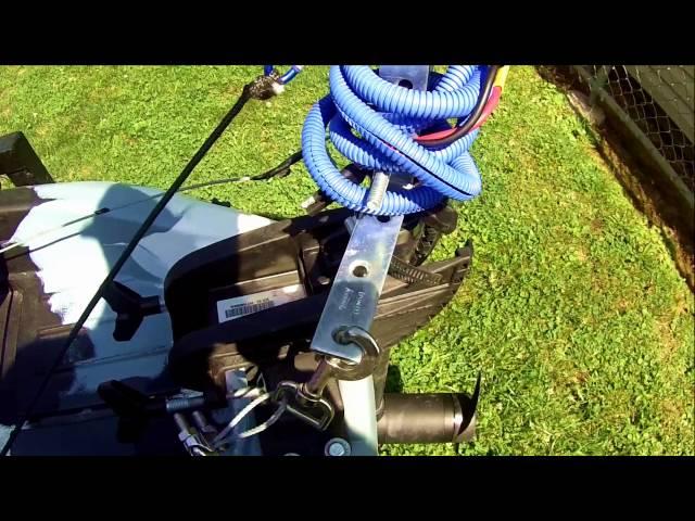 MOTORIZED KAYAK : Field & Stream Shadowcaster kayak w/ 30lb MinnKota Endura C2