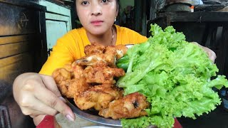 Delicious Fried Chicken Thighs With Hil Fish Sauce.Mey Lifestyle KH