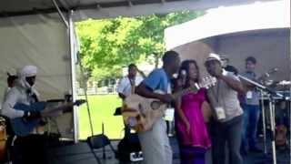 Alejandra Robles Vancouver Folk Fest 2012 Wazimbo & Sidi Touré