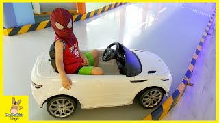 spiderman car racing ride on range rover drive park playtime fun toys kids cafe   mariandkids toys