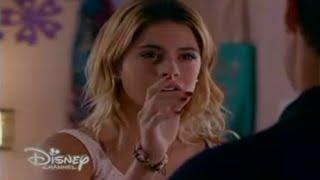Violetta sueña Leon y lo llama al celular