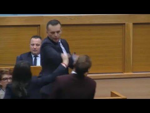 Bofetada no Parlamento da República Sérvia da Bósnia