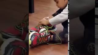 HOW TO WEAR SHOES TRAINING BY BABY