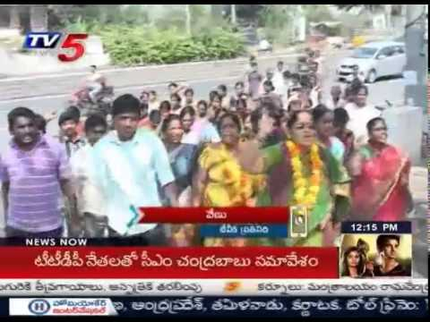 Small Movie Producers Agitations | Rama Krishna Goud Withdraw his Hunger Strike : TV5 News