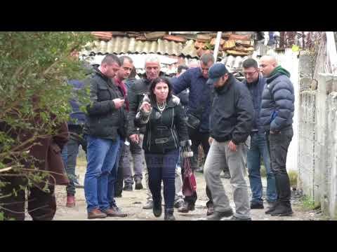 Masakrimi i nënës dhe djalit, policia pyet të afërmit - Top Channel Albania - News - Lajme