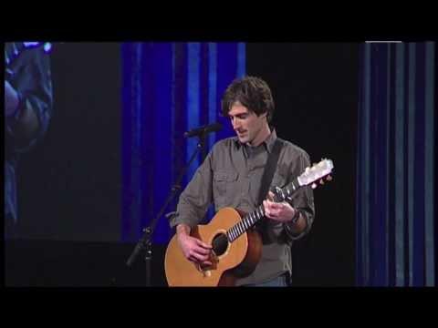 Eliot Morris performs