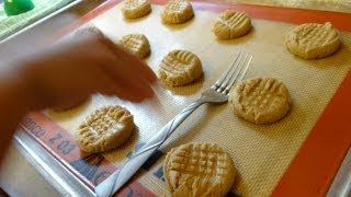 Irresistable Peanut Butter Cookies With Bain