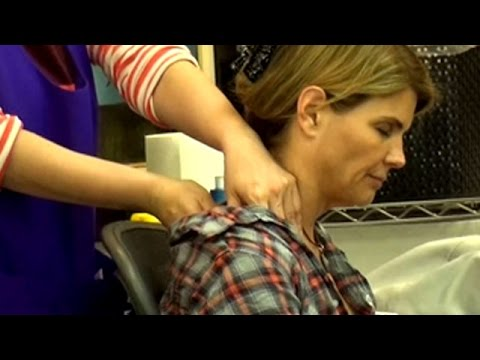 Lori Loughlin Gets A Much Needed Massage thumbnail