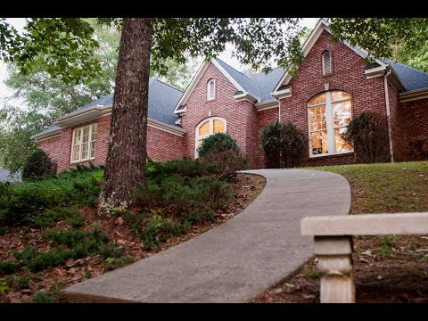 1350 Old Field Road Jacksonville, Alabama - Stunning Horse Property!