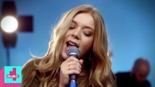 Becky Hill - Fairytale Of New York (Live)