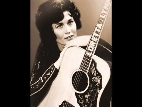 Loretta Lynn - She's Got You 1977  I Remember Patsy Cline