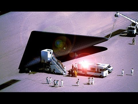 UFO Sightings! NASA Triangle TR-3B Flying Saucers May 2016