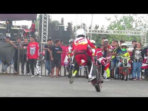 Freestyle Motor stuntrider x IFC SOLO Ervan Yulianto kompetisi [Jogja]