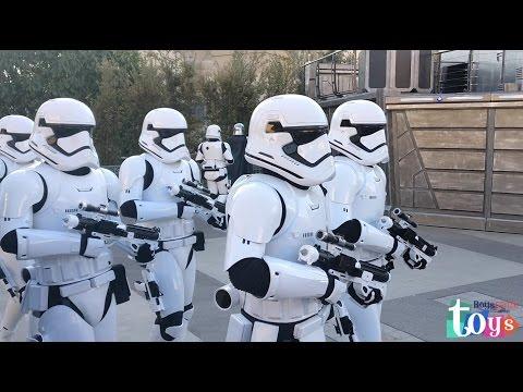 Amusement Park for Kids DisneyLand Family Fun Trip StarWars Darth Vader Stormtroopers Show