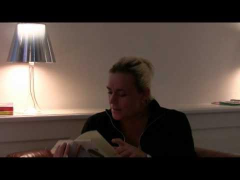 Julie Carlsen fortæller hvorfor hun elsker Benny Andersen