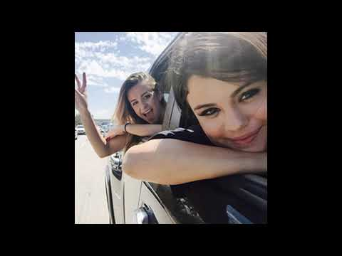 who is selena gomez currently dating 2014