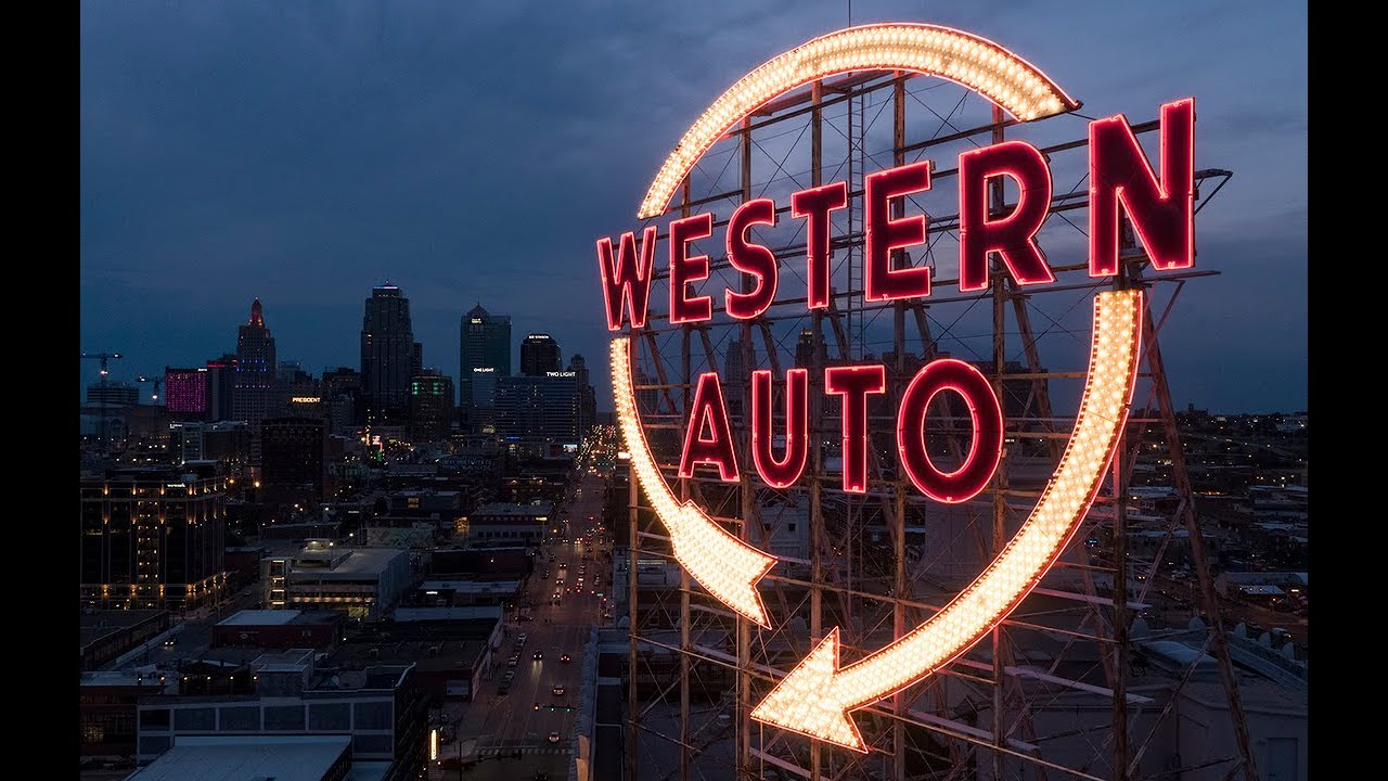 Western Auto Sign Once Again Lights Up The Sky In Downtown Kansas